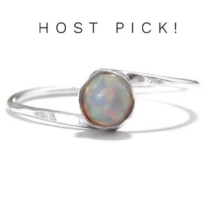 🎉HP🎉 925 Ster. Silver Opal Bypass Ring